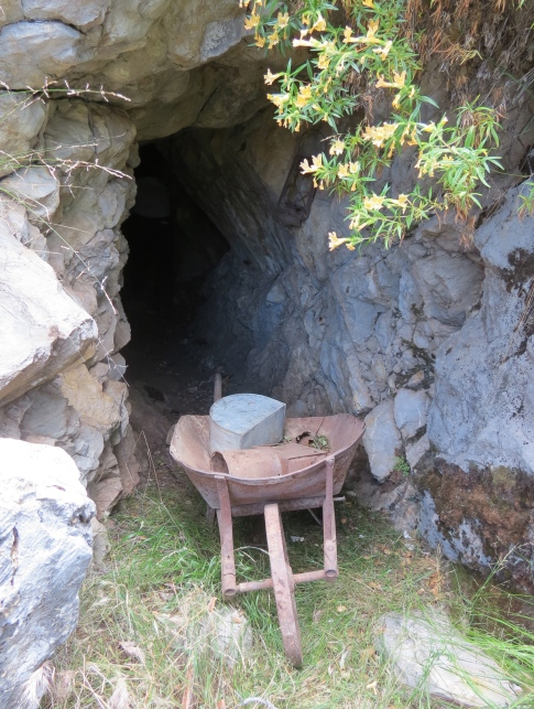 Moraga limestone lithograph mine hiking backpacking Indian Creek Dick Smith Wilderness Los Padres national forest