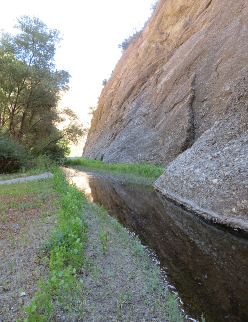 Piru Creek Narrow Conglomerate stone Sespe Wilderness Los Padres National Forest hike
