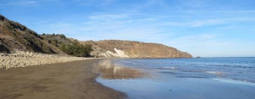 Smugglers Cove hike Santa Cruz Island Channel Islands National Park